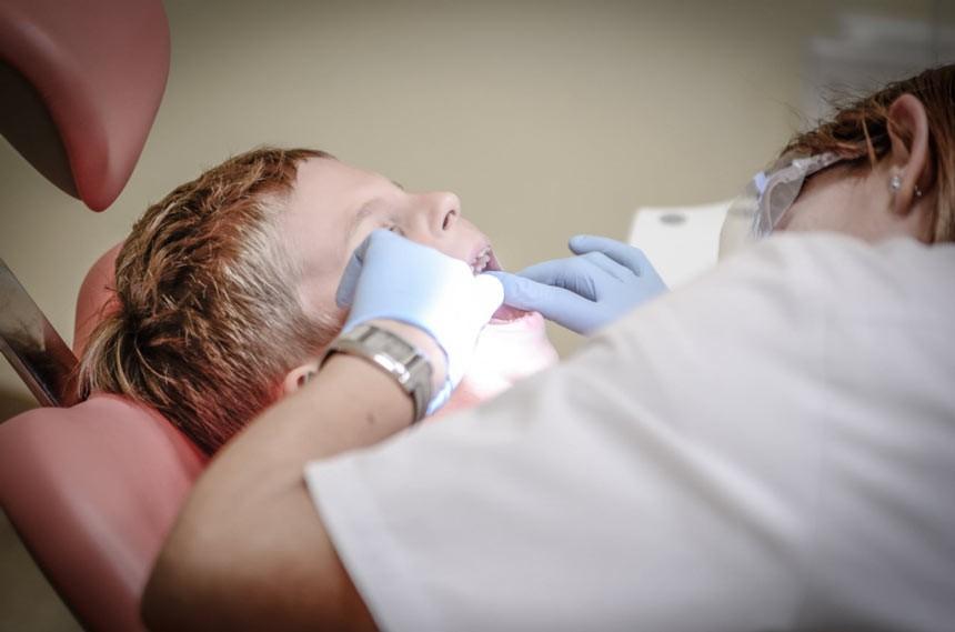 عصب کشی دندان شیری