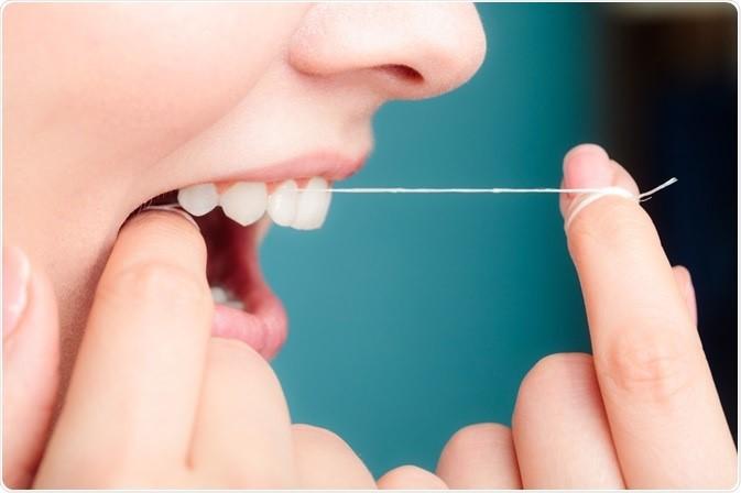 23 - چرا نخ دندان کشیدن مهم است؟